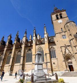 Saint Antoine l'Abbaye: Sur les traces des moines médecins